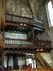 Eglise Saint-Sauveur et crypte Saint-Amadour - Français:   Vue partielle de l\'intérieur de la basilique Saint-Sauveur de Rocamadour (Lot, France)