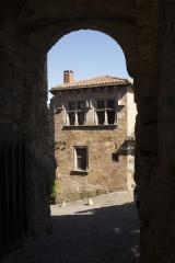 Maison Goorsse - English: . Cordes-sur-Ciel. Occitanie, Tarn. France. East city. A gothic house façade. Ref: PM_117973_F_Cordes_sur_Ciel. Photo: Paul M.R. Maeyaert. pmrmaeyaert@gmail.com. www.polmayer.com. © Paul M.R. Maeyaert; pmrmaeyaert@gmail.com