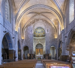 Eglise Saint-Pierre - English:   Interior of the Eglise Saint-Pierre Gaillac in the Tarn department