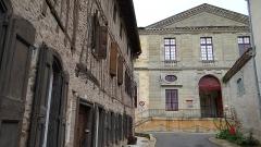 Ancienne église Saint-Martin - Français:   Sorèze - Rue de Puyvert et rue Saint-Martin, façade de l\'abbaye-école de Sorèze
