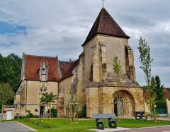 Eglise Saint-Martin - Deutsch: Kirche St. Martin, Ainay-le-Vieil, Département Cher, Region Zentrum-Loiretal, Frankreich