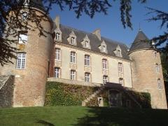 Château - Français:   Façade sud, château de Blancafort