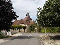 Eglise Saint-Julien - Français:   Église-osmery-carrefour