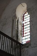 Eglise Notre-Dame - Deutsch:   Katholische Pfarrkirche Notre-Dame in La Celle-Guenand im Département Indre-et-Loire (Centre-Val de Loire/Frankreich), Fenster auf der Empore