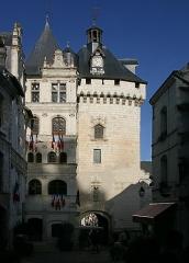 Hôtel de ville et Porte Picoys - Deutsch: Stadt Loches im Département Indre-et-Loire