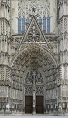 Cathédrale Saint-Gatien - Portail de la cathédrale Saint-Gatien de Tours (Indre-et-Loire, France).