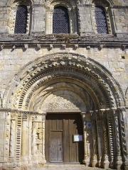 Eglise Notre-Dame - Église Notre-Dame de Bellegarde (Loiret, France): portail occidental