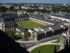 Ancien grand cimetière ou Campo Santo - Campo Santo d'Orléans (Loiret, France), vu depuis les toits de la cathédrale