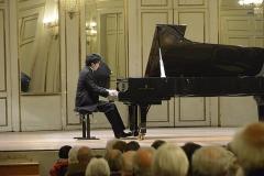 Institut - Français:   Takuya Otaki jouant à la Salle de L\'Institut du conservatoire d\'orléans pour les Matinées du Piano organisées par Orléans Concours International.