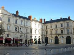 Maison -  Place Sainte Croix, Orléans