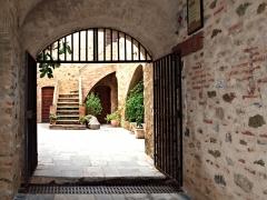 Fort Matra -  Aléria (Corsica) - L'entrée du fort d'Aléria (Musée d'archéologie)