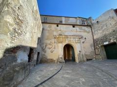 Citadelle et palais du Gouverneur, partiellement aménagé en Musée d'Ethnographie - Corsu: A segonda porta di a citatella di Bastia, u locu si chjama