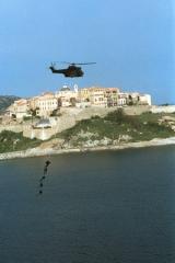 Remparts de la citadelle et Tour du Sel -  Aérocordage des commandos parachutistes du 2e REP à Calvi