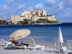 Remparts de la citadelle et Tour du Sel -  The citadel of Calvi, viewed from the beach.