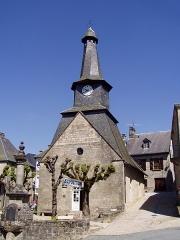 Mairie -  Photo de la Chappelle Notre-Dame à fr:Treignac (Corrèze) avec son fr:Clocher tors, prise le 29 avril 2006 par fr:Utilisateur:Accrochoc.