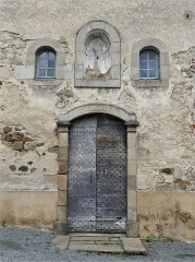 Chapelle dite Chapelle Bleue - Français:   La porte de la chapelle bleue, Felletin, Creuse, France.