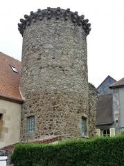 Ancienne tour de rempart - Français:   La tour de Felletin, Creuse, France.