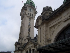 Gare des Bénédictins - This building is indexed in the Base Mérimée, a database of architectural heritage maintained by the French Ministry of Culture,under the reference PA00100349 .