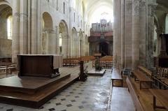 Eglise Saint-Hildebert - Français:   Gournay-en-Bray (département de Seine-Maritime, France): vue intérieure de la collégiale Saint-Hildevert