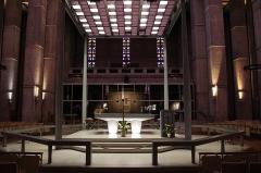 Eglise Saint-Joseph - Le choeur de l'église.