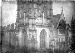 Eglise Saint-Ouen de Longpaon - Français:   Eglise Saint-Ouen de Longpaon, clocher, partie médiane, photographie en négatif Enlart, Camille (historien).