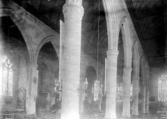Eglise Saint-Ouen de Longpaon - Français:   Eglise Saint-Ouen de Longpaon, vue diagonale de la nef, photographie en négatif par Enlart, Camille (historien).