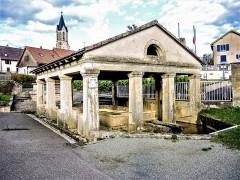 Lavoir - Français:   Fontaine-lavoir-abreuvoir