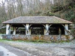 Lavoir - Fontaine-lavoir du Val. Saint-Dizier-l'Evêque. Territoire de Belfort.