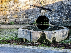 Fontaine Saint-Léger - Français:   Fontaine Saint-Léger de Montbouton