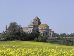 Ancienne abbaye Saint-Jouin - Extérieur de l'abbatiale Saint-Jouin à Saint-Jouin-de-Marnes (79).