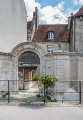 Hôtel de Mailly-Château-Renaud - English: Hôtel de Mailly-Château-Renaud at 19 rue du Parlement in Dole, Jura, France