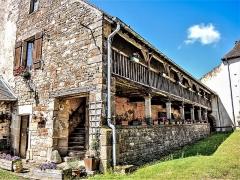 Prieuré de Jonvelle et maison Coeurdacier - Français:   Bâtiment restant du cloître