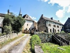 Prieuré de Jonvelle et maison Coeurdacier - Français:   Reste de la muraille sud du cloître