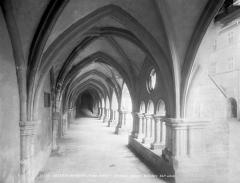 Ancienne abbaye Saint-Colomban -