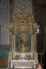 Eglise Saint-Vincent -  Altar and altarpiece of Saint Michel in marble from Caunes-Minervois and other brocatelles from Languedoc, carved and gilded wood. Canvas by J.B. Despax, Saint Michael weighing the souls.