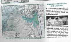 Via Domitia (également sur communes de Redessan et Jonquières-Saint-Vincent, dans le Gard, et Castelnau-le-Lez, dans l'Hérault) - English: Info plate at the archaeological site of Panissars at the Roman crossroads of Via Domitia and Via Augusta, ruins of the 11th ctry. monastery