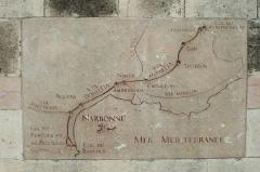 Via Domitia (également sur communes de Redessan et Jonquières-Saint-Vincent, dans le Gard, et Castelnau-le-Lez, dans l'Hérault) - Nederlands: Stuk van de Via Domitia in het centrum van Narbonne