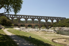 Pont du Gard et aqueduc romain de Nîmes - This building is indexed in the base Mérimée, a database of architectural heritage maintained by the French Ministry of Culture,under the reference PA00103291 .