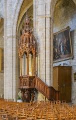 Ancienne cathédrale, actuelle église paroissiale Saint-Fulcran - English: Pulpit in the Saint Fulcran cathedral of Lodève, Hérault, France