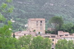 Ancien château ou donjon - English: View of the keep of the castle of Soubès, Hérault, France