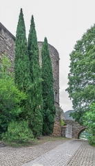 Ancien château ou donjon - English: South gate of the castle of Soubès, Hérault, France