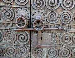 Eglise Saint-Saturnin - English: Medieval door lock at