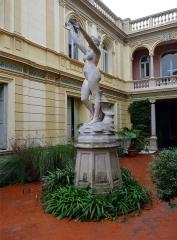 Ancien Hôtel Pams - Statue de Vénus à la myrte de Victorien Bastet (1852-1905), Patio, Hôtel Pams, Perpignan, Pyrénées-Orientales, France.