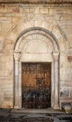 Eglise Saint-Jacques - English: One of the portals of the Église Saint-Jacques, Villefranche-de-Conflent, Pyrénées-Orientales department, France