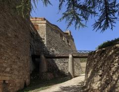 Fort Libéria (également sur commune de Fuilla) - English: Access to the Fort Libéria, Villefranche-de-Conflent, Pyrénées-Orientales department, France