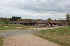 Centre rural gallo-romain (vestiges archéologiques) - Français:   thermes gallo-romains de Chassenon à Cassinomagus, commune de Chassenon, Charente, France S-O. Vue du complexe thermal depuis le bâtiment d\'accueil au sud-est.