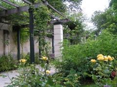 Musée -  jardin public de Cognac.