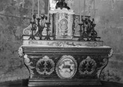 Eglise Saint-Martin - Deutsch:   Altar in der Kirche St-Martin in Archingeay