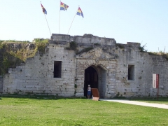Citadelle et fortifications - This building is indexed in the Base Mérimée, a database of architectural heritage maintained by the French Ministry of Culture,under the reference PA00104644 .