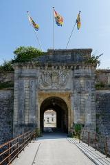 Citadelle et fortifications - La porte royale de la citadelle du Château-d'Oléron (Charente-Maritime, Nouvelle-Aquitaine, France).